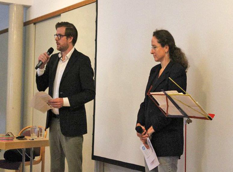 Sebastian Snela und Susanne Ambros begrüßen die Teilnehmer