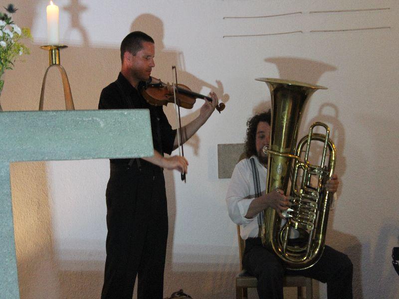Beeindruckend: Christoph Bencic (Geige) und Florian Burgmayr (Posaune und Akkordeon)