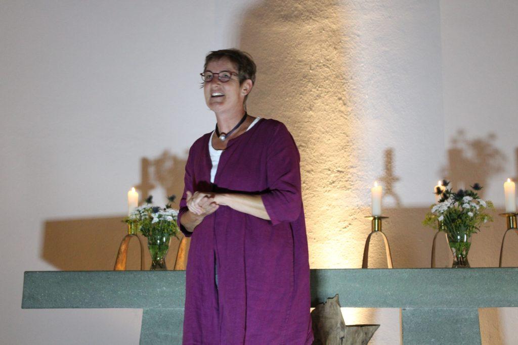 Pfarrerin Melanie Striebeck beendet die gelungene Veranstaltung