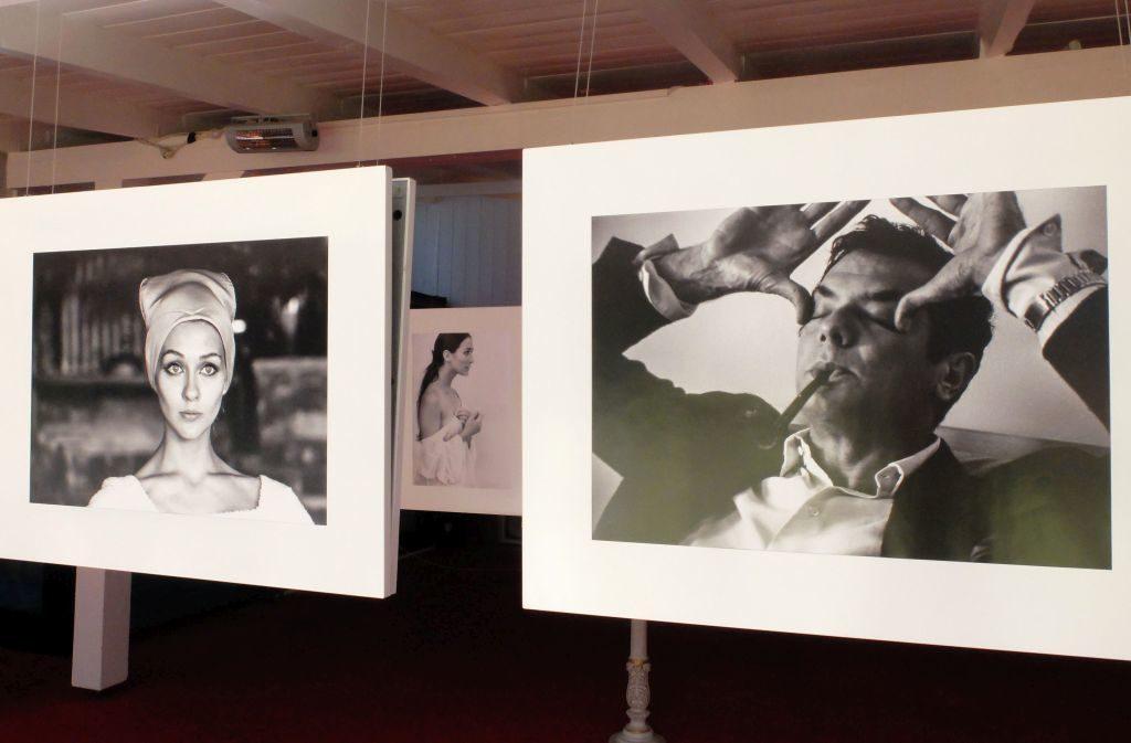 Blick in die Ausstellung: rechts Tony Curtis als nervöser werdender Vater während der Geburt des ersten gemeinsamen Kindes