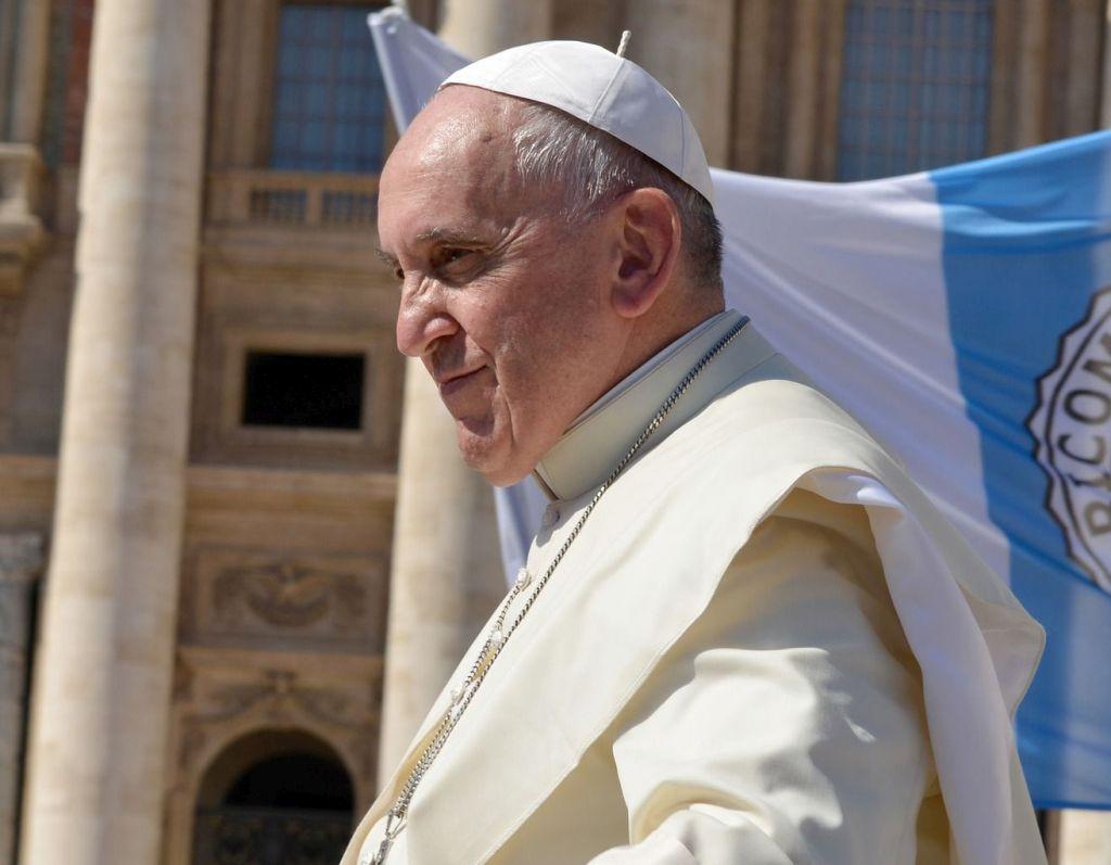 """Papst Franziskus - Rezension zum Papstfilm """"Papst Franziskus – ein Mann seines Wortes"""""""