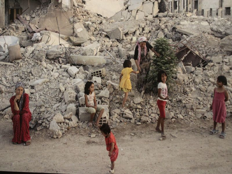 Miesbach Amnesty International Fotoausstellung: Geflüchtete Familie aus Vietnam Foto: Ian Berry