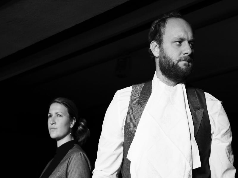 Sonja Fischbacher und Michael Probst im eingefahrenen Moment ihrer Ehe als Ehepaar Wilton