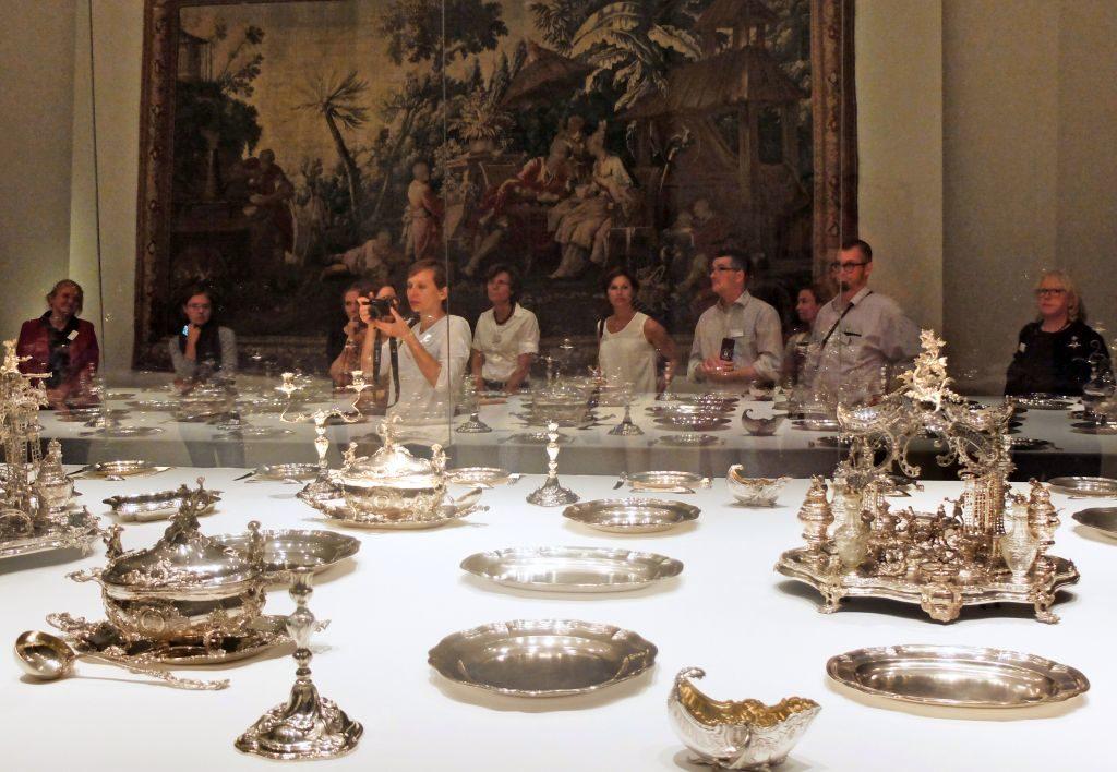 """Die höfische Tafelsilber """"Service à la française"""" - das am vollständigsten erhaltene Tafelservice aus Augsburg in Europa"""