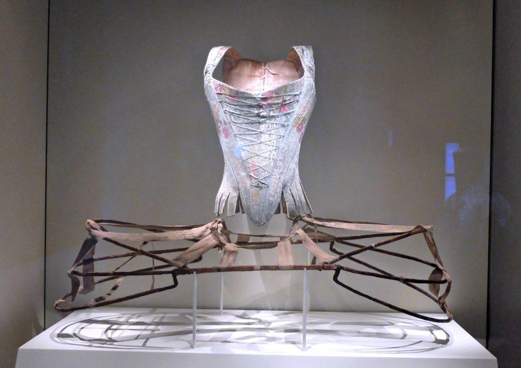 Reifrock - Barocker Luxus - Bayerische Nationalgalerie