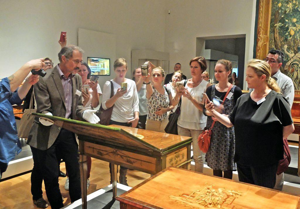 Die Geheimnisse der Roentgenmöbel werden gelüftet im Bayerisches Nationalmuseum beim Bloggerwalk Barocker Luxus