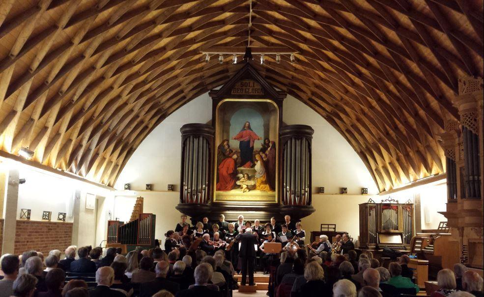 Die besondere Konstruktion der Zollinger Halle bewirkt eine grandiose Akustik