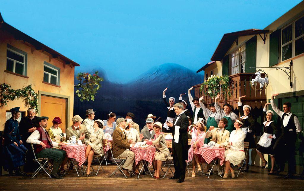 betörende Kostüme Foto: Freies Landestheater Bayern