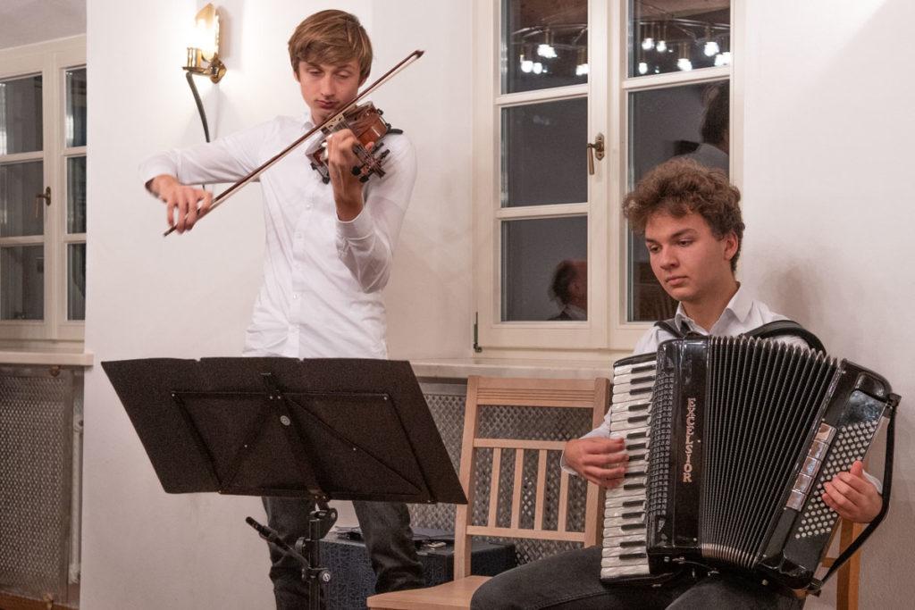 """Balg und Bogen """"Luis Henking und Tobias Taller"""