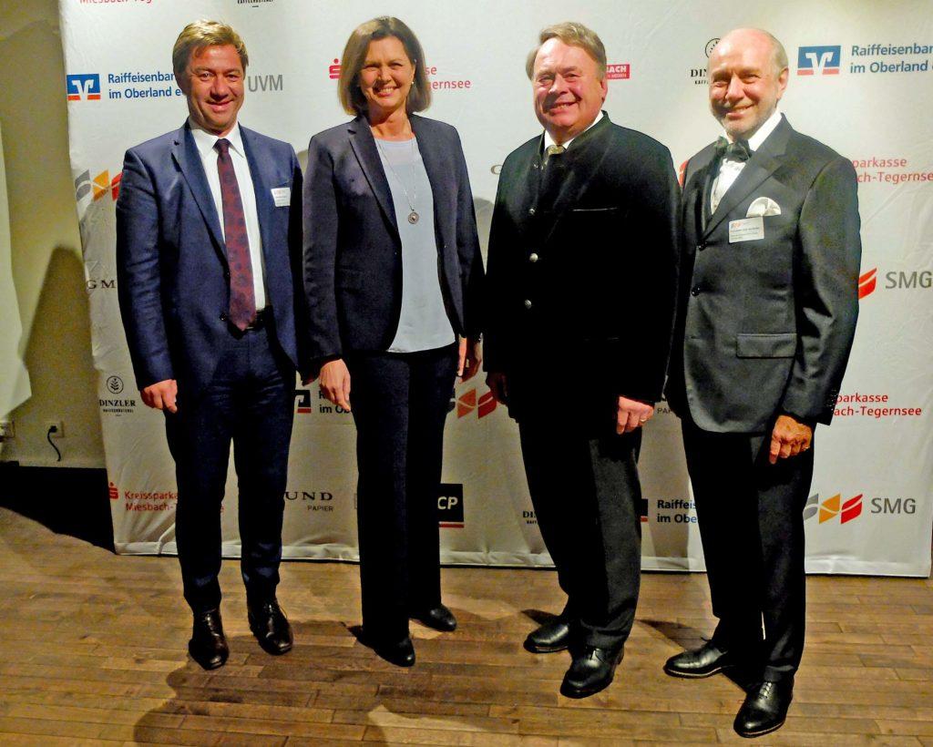 Alexander Schmid (SMG), Landtagspräsidentin Ilse Aigner, Landswirtschaftssminister a.D. Hubert Brunner, Klaus-Dieter Graf von Moltke (Aufsichtsratsvorsitzender SMG),