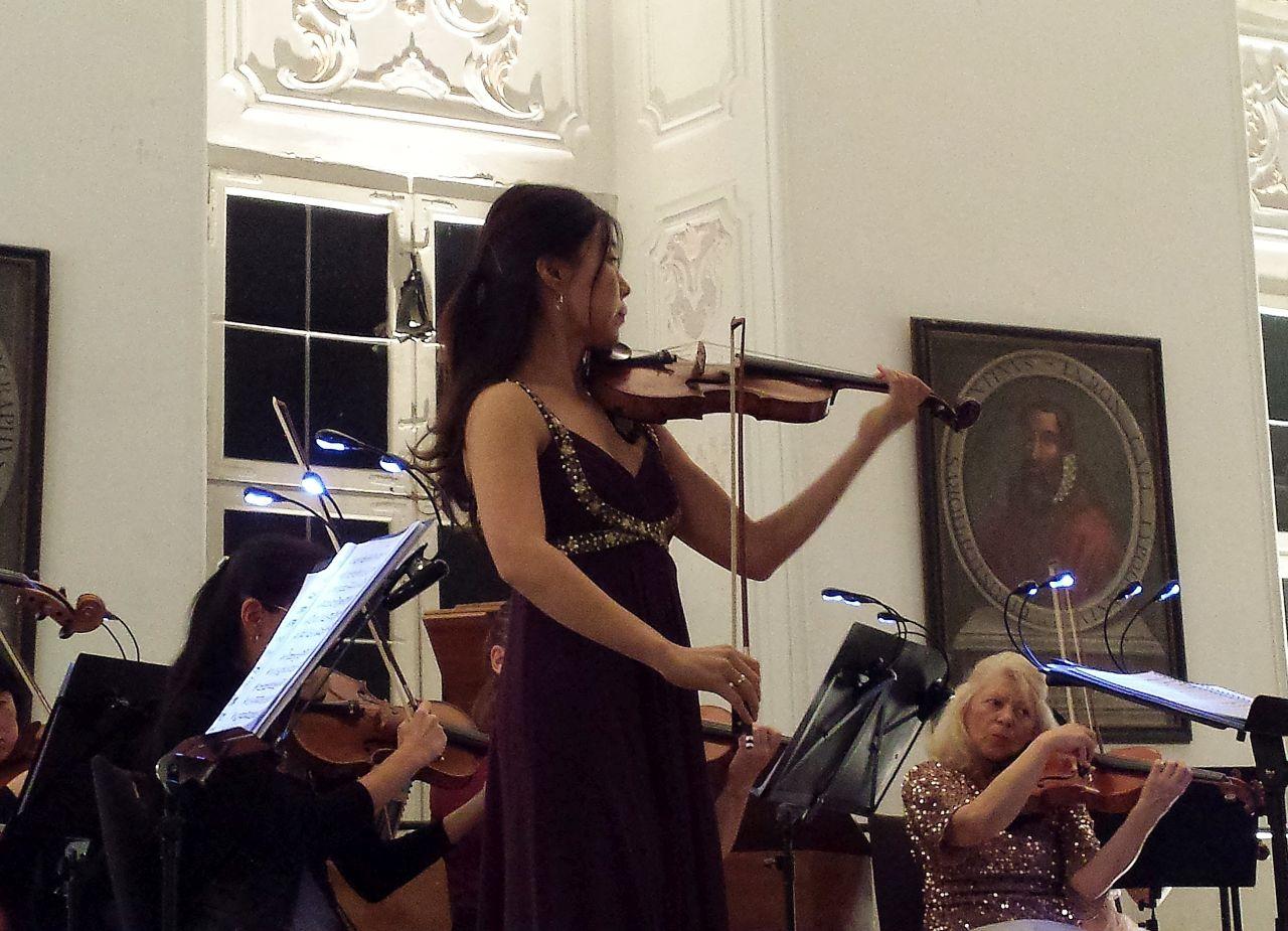 Violinsolistin Sania Cheong