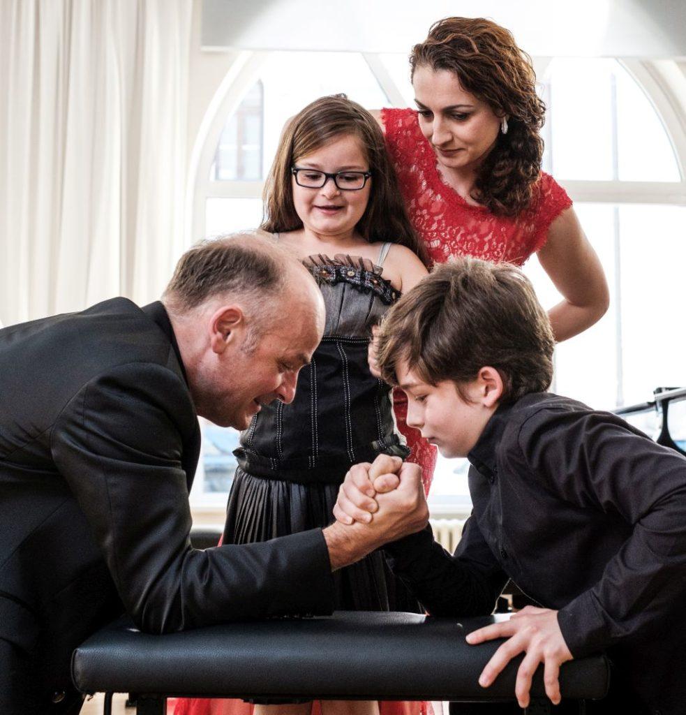 Familienfoto: Harmonie und Dissonanz