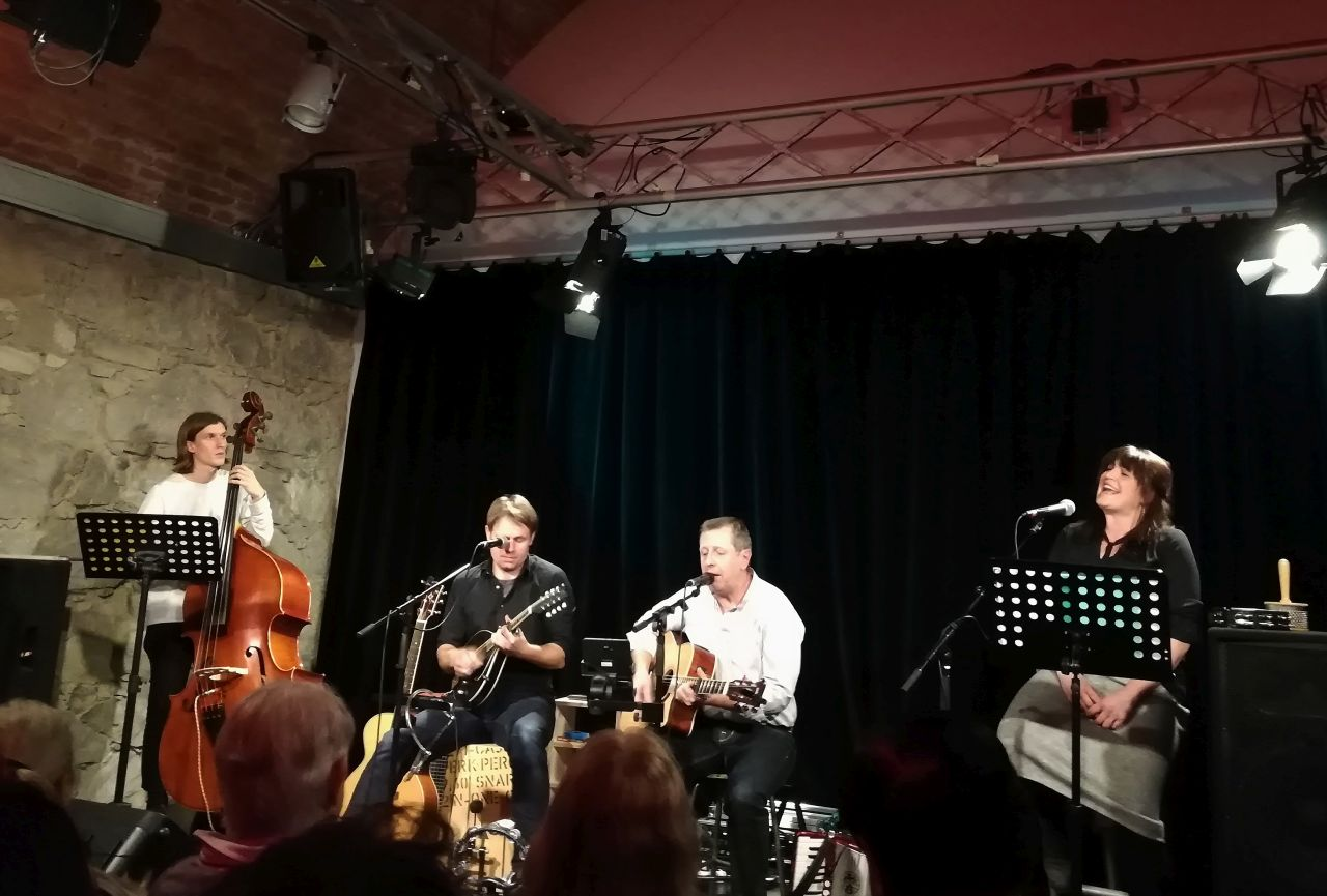 Seppi Pötzinger und Lisi Liebhardt komplettieren die Band