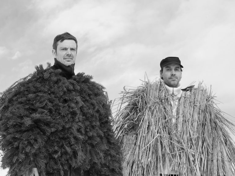 Tragen die Kostüme der Allemannischen Fastnacht Textor & Renz