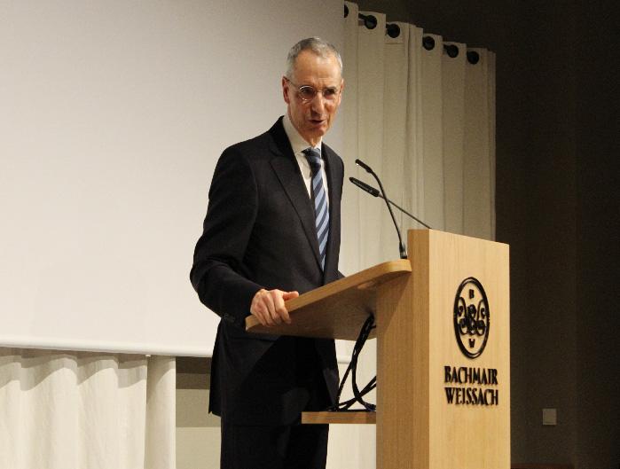 Geschichte und Gegenwart des Abendlandes - spannender Vortrag von Prof. Dr. Michael Wolffsohn beim Korbinians Kolleg im Bachmair Weißach