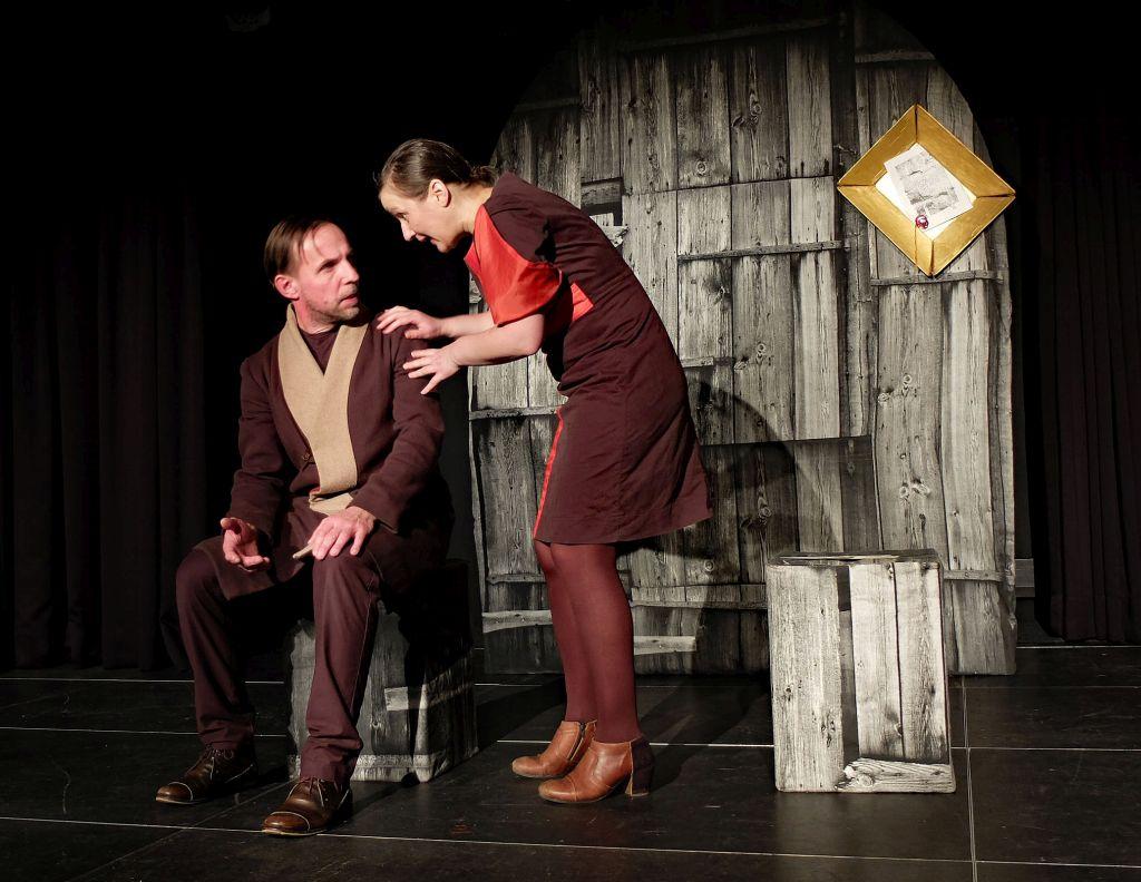 """Foolstheater Holzkirchen - """"Hildegard von Bingen dinkelfrei"""" - Heike Feist und Gotthard Lange"""