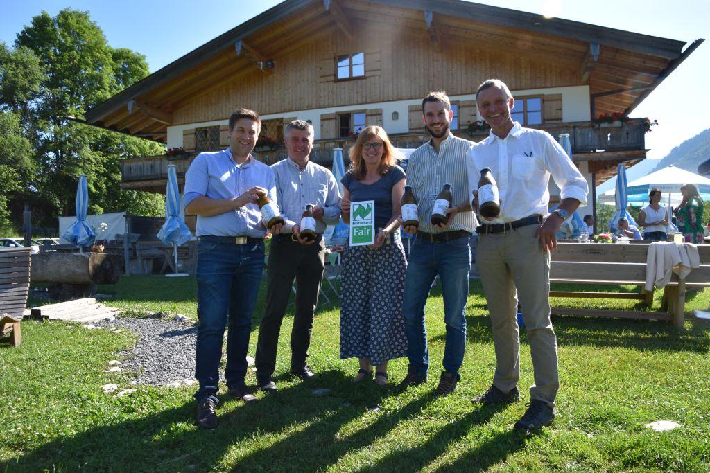 Naturkäserei präsentiert die neue BIO Milch in der Mehrweg Glasflasche
