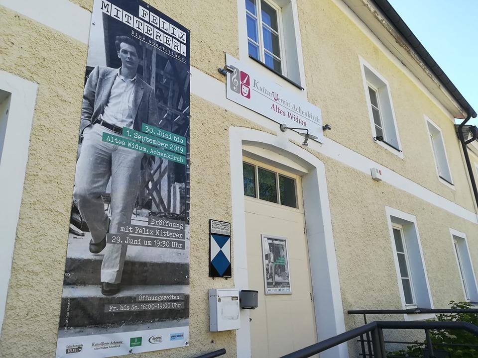 Felix Mitterer Ausstellung in Achenkirch im Alten Widum