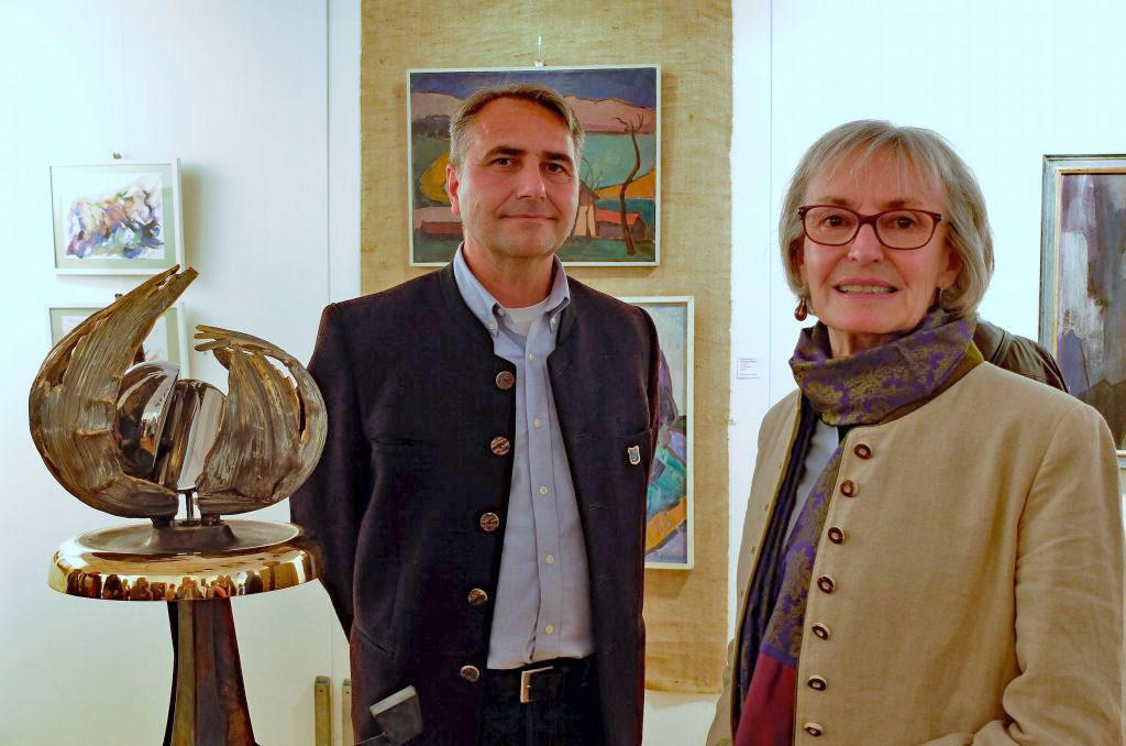 Bürgermeister Johannes Hagn und Leiterin der Kunstausstellung Eva Knevels