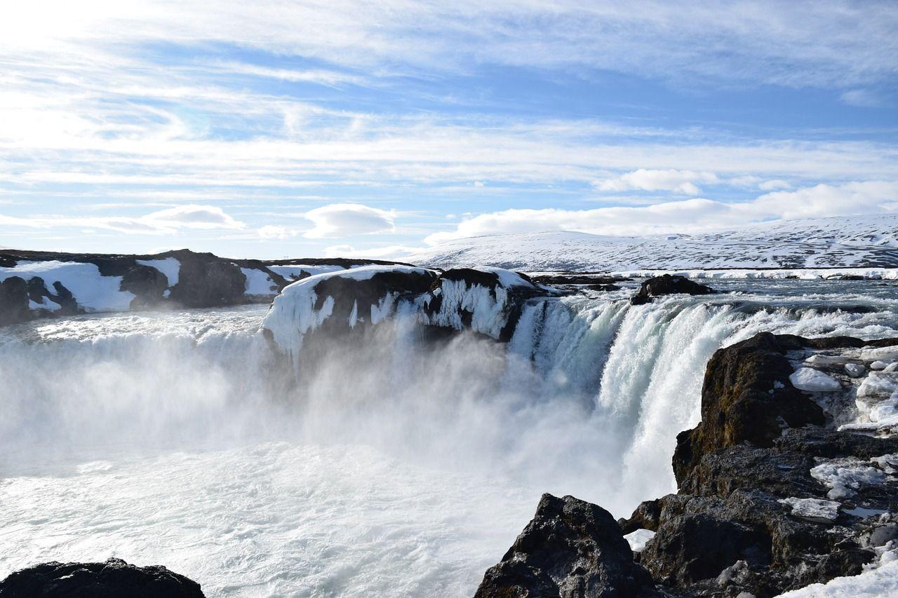 "Internationales Bergfilmfestival Tegernsee 2019 - Goðafoss - Eröffnungsfilms ""Eisiger Tanz am Götterfall"" von Olaf Obsommer"