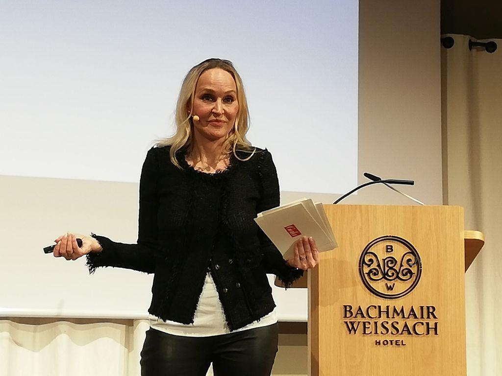 Referiert über Gender Identität - GALA Chefredakteurin Anne Meyer-Minnemann . Foto: Karin Sommer