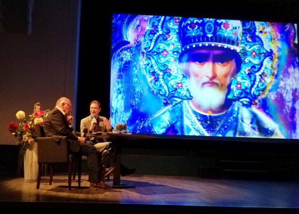 Diskussion vor bewegenden Bildern von Hans Günther Kaufmann Foto: Karin Sommer
