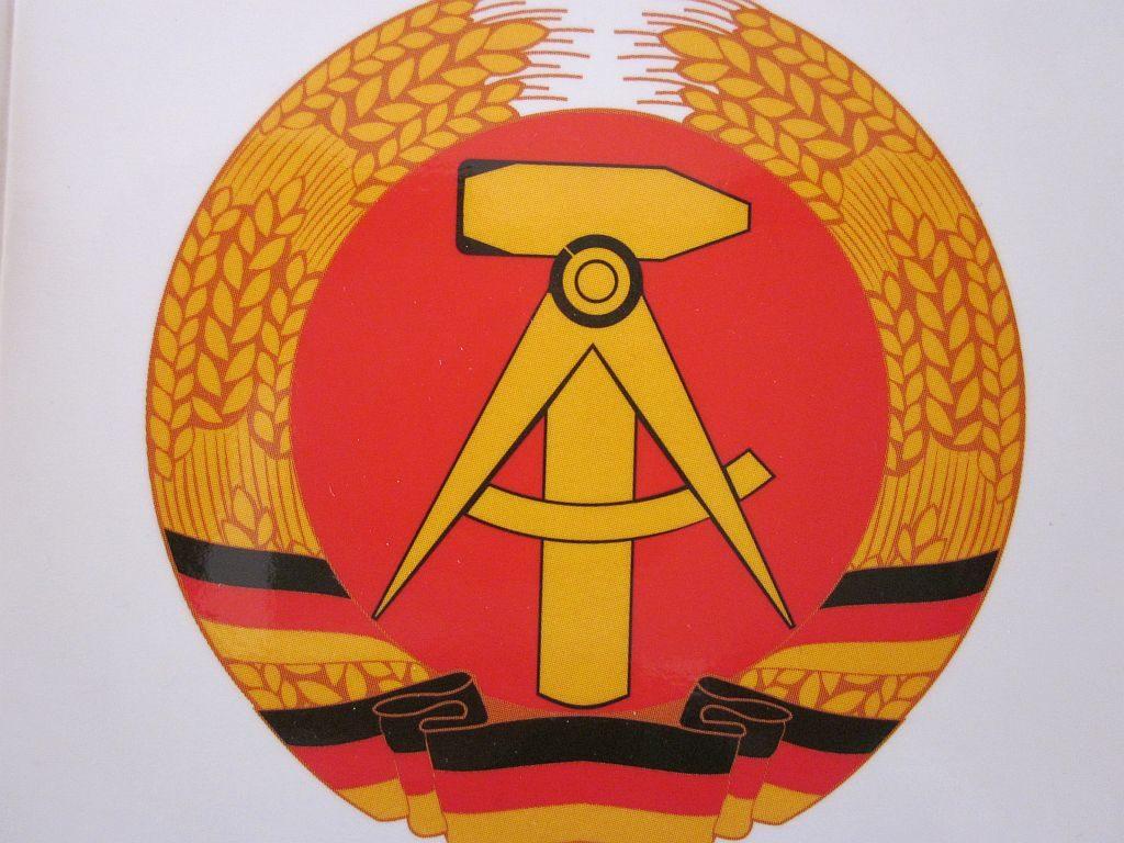 DDR Emblem