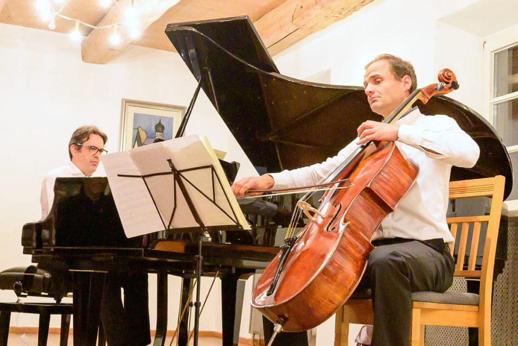 Tobias Stork (Flügel) und Dietmar Rexhausen (Violincello)