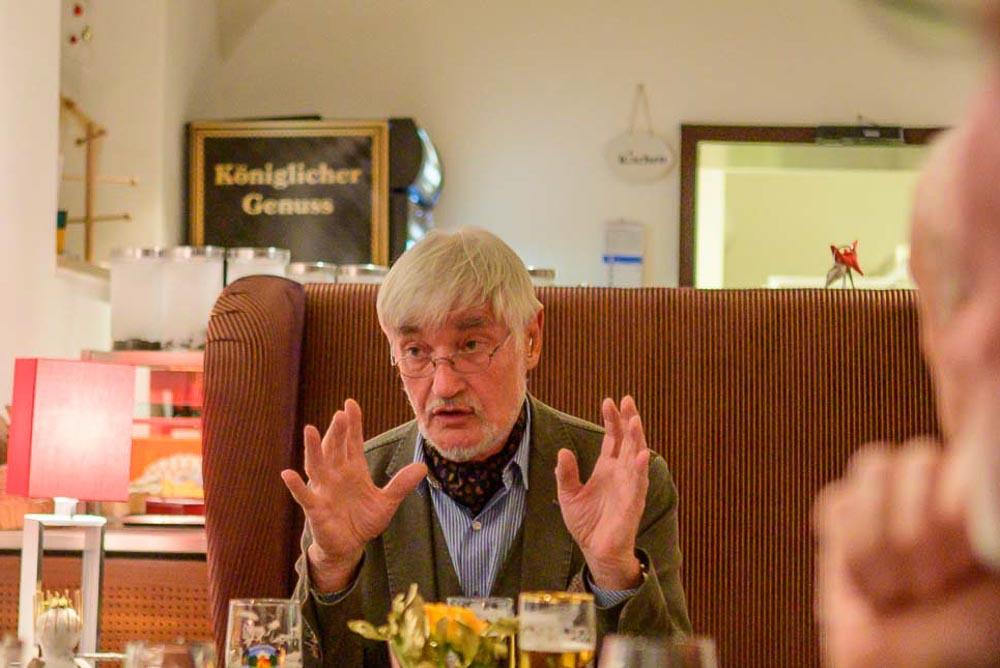 Hubert Hohlbein in der Diskussion