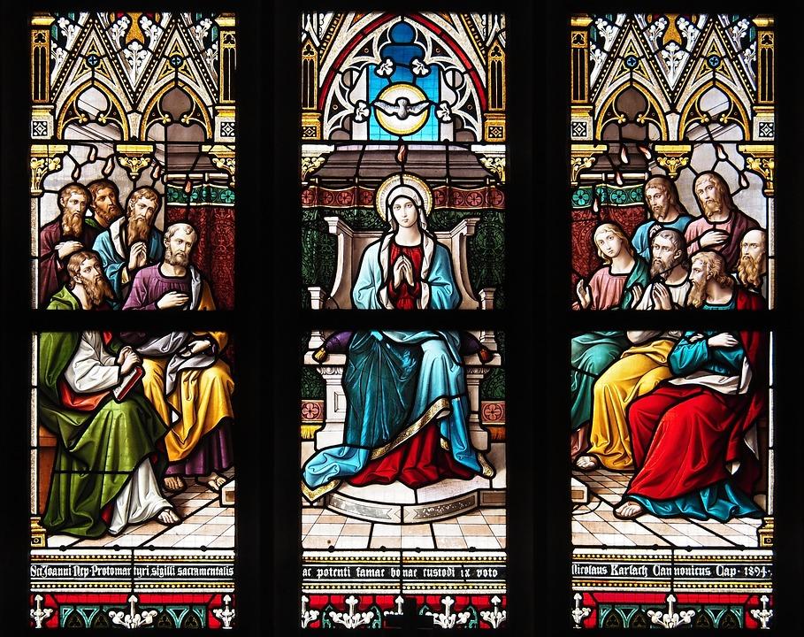 Heiliger Geist Buntglasfenster