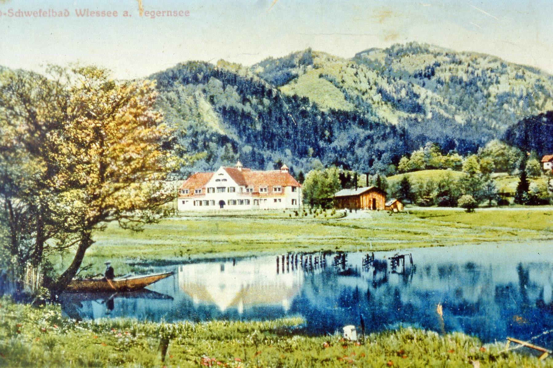 Schwefelwasser brachte Bad Wiessee Aufschwung - das Jod-Schwwfelbad auf einer historischen Postkarte zeigt ein Idyll