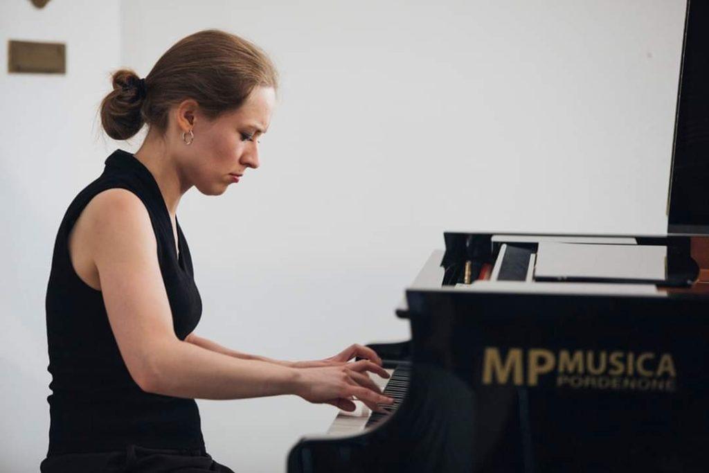 Antonia Miller