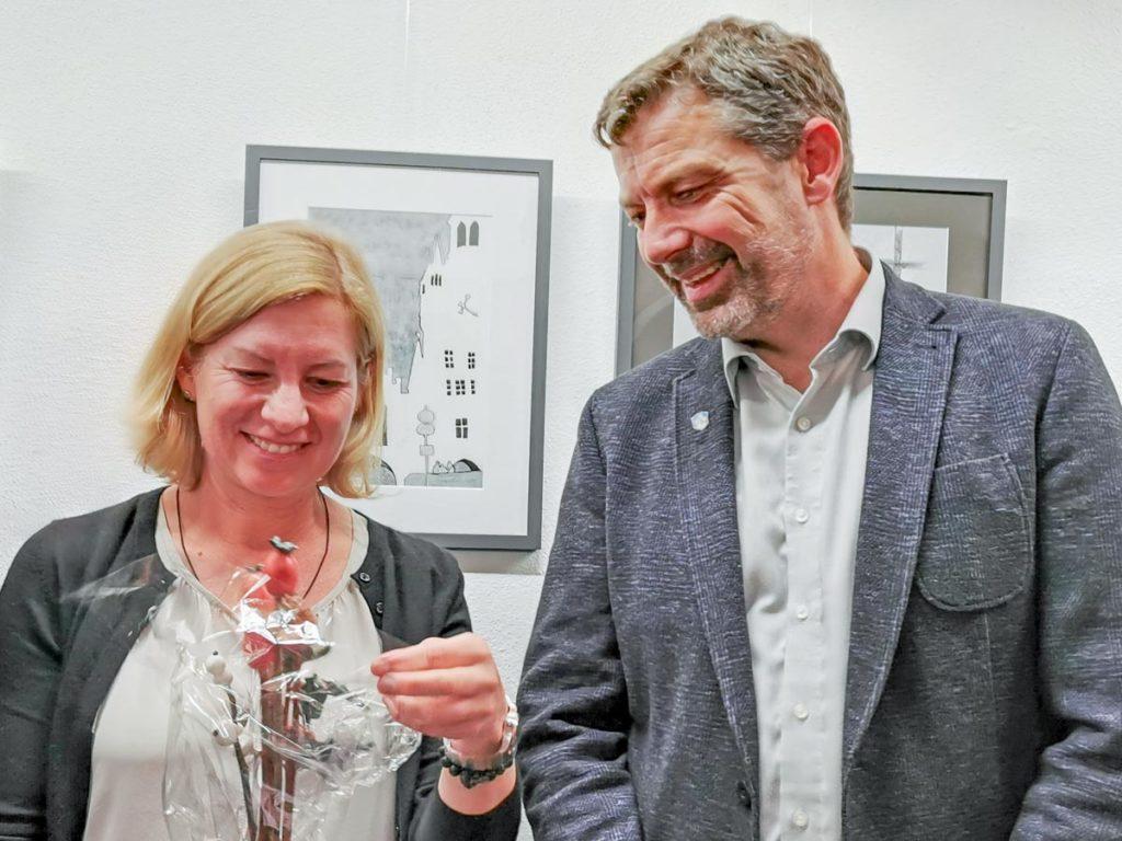 Ines wagner mit Bürgermeister Gmund