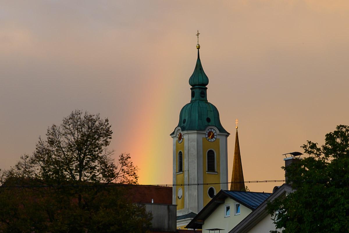 Danke-Demo mit Regenbogen