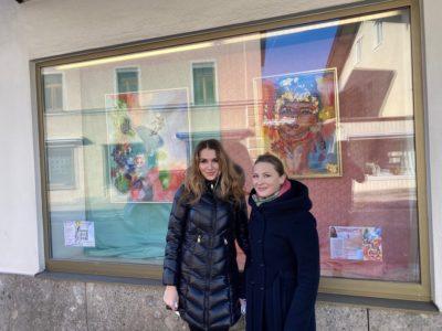 Rebecca Breg, Kunst im Schaufenster
