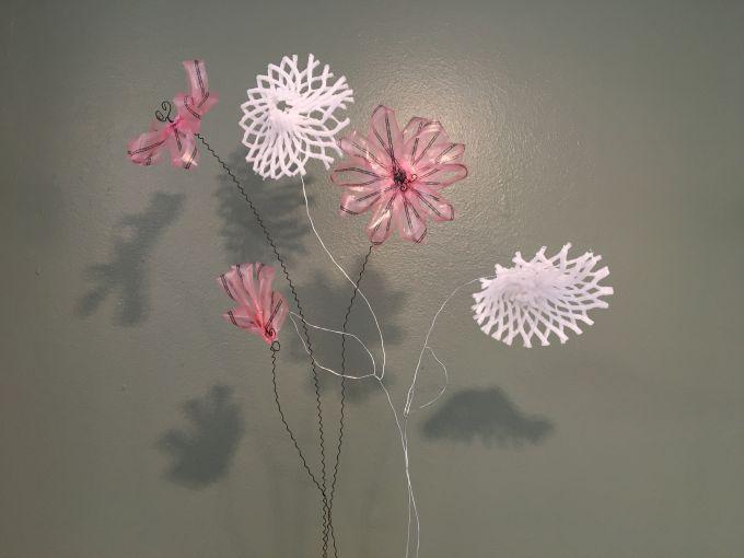 Lizzie Hladik: Blüten unserer Zeit